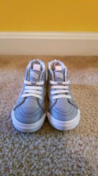 Like New! Girls Vans(Size 5.5) Milford Mill, 21244