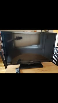 32 inch LED TV with remote Colorado Springs, 80904