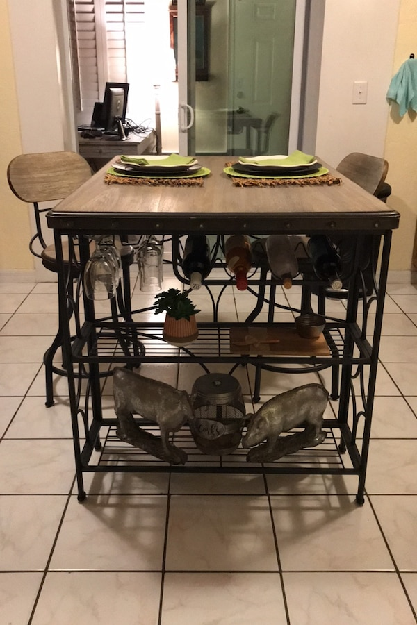 High top table and chair kitchen island