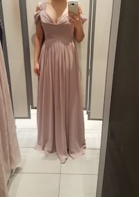 Brand new evening gown- Size Small Scarborough, M1H