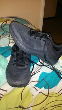 Brand new UnderArmour shoes size 8 Eugene