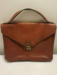 Men's leather bag by Salamander Montreal, H2E 1Y5