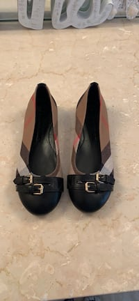 Brand new 100% authentic Burberry flats Brampton, L6V 2M2