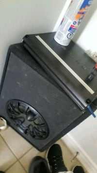 Subwoofer and amp 1000 watt Toronto