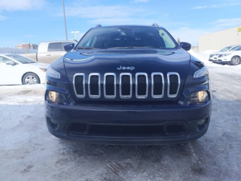 2016 Jeep Cherokee North 20185c0a-90d1-4671-9289-b64a286bf41c
