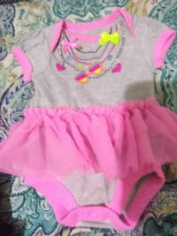girl's gray and pink onesie Nacogdoches, 75964