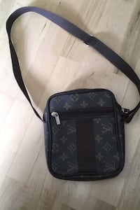Louis vuitton sidebag