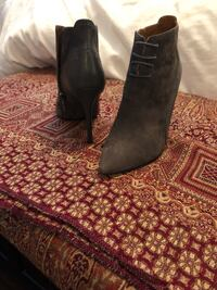 Size 7 grey suede and leather booties 724 km