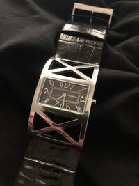 Ladies Haurex Cage watch Italy Design. (Needs battery) Toronto, M3A 3E6