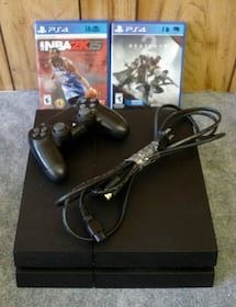 Sony PlayStation 4 PS4 Slim 500GB Console, Controller & Games