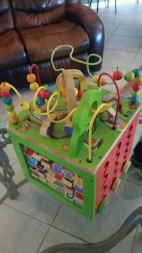 baby's green and multicolored activity cube Winchester, 92596