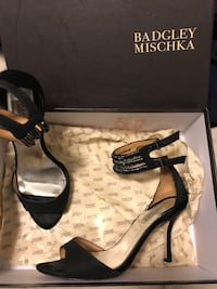 EUC Badgley Mischka black heel Size 7 New Westminster, V3L 0J1