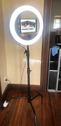 Mirror ring light photo booth with iPad Pro Roselle, 07203