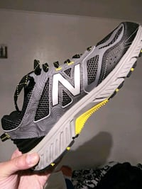 New Balance men's running shoes size 8.5