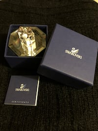 Swarovski Crystal Collectable 'present' decoration.