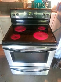 Frigidaire Stainless Steel Black Stove.Works Great Fairfield, 35064
