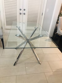 Beautiful Tempered Glass Table Table only  Vaughan, L4H 3S3