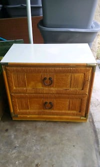 End table/ night stand Ocala, 34482