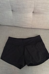 Lulu Lemon shorts, size 6 (black) Burnaby, V5E 3J2