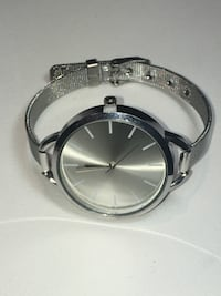 Stainless Steel Watch w/ Steel Belt Wrist Band - Reflective Face - Stylish Elegant & Unique - NEW Edmonton
