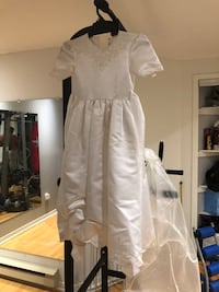 Gown for child  Laval, H7P 2P3