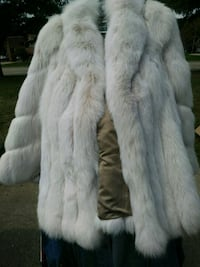 white and gray fur coat Clinton Township, 48036