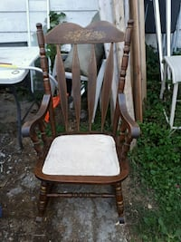 old fashioned rocking chair Innisfil, L9S 1V4