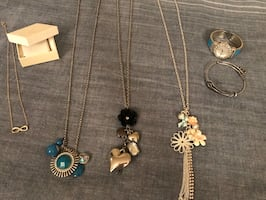 Jewelry (6 pieces)