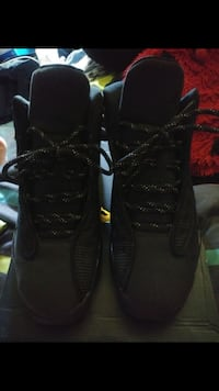 Pair of black cat 13s Size 5 In Boys! New Britain