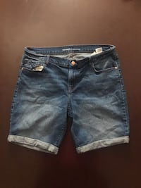Old Navy Women's Jean shorts; Size 12 Apex