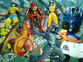 (6) Large action figures,more