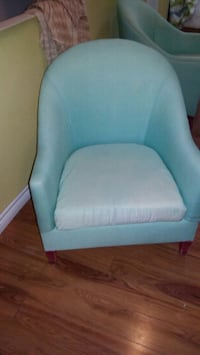 2 blue accent chair with washable covers Oakville, L6H 2P3