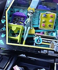 Monster high frankie and cafeteria set Hayward, 94541