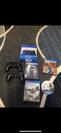 3 PS4 controllers and 4 game bundle Fairfax, 22032