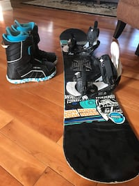 Snowboard and boots King, L0G 1T0