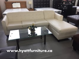 Displayed sectional sofa set