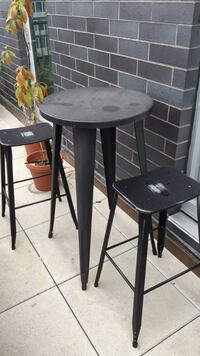 Round black table with two stools price negotiable New York, 10002