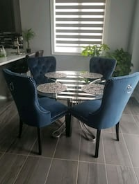 Glass dining round table with 4 velvet chairs