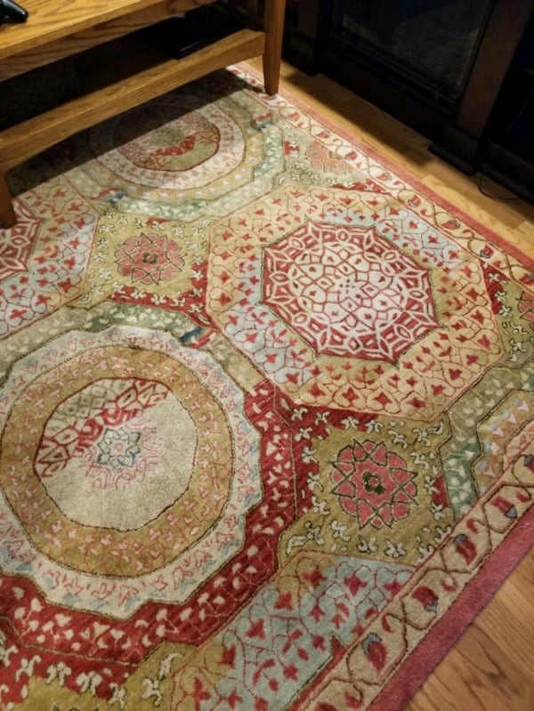 Sold Wool 8 By 12 Area Rug In Lombard