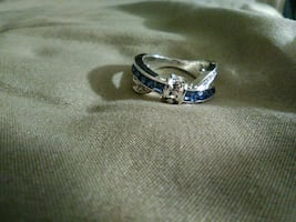Blue sapphire criss cross ring on sterling silver