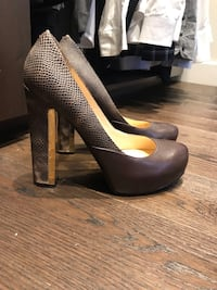 GUESS heels size 9 Hampstead, H3X 3N1