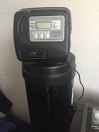 2yr old full home water filtration system London, N5Y 4G9