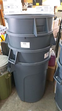 Containers 44 gallon  Toronto, M6M 2Y4
