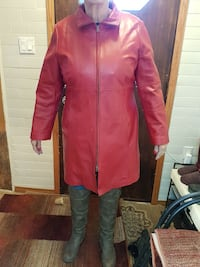 Red leather coat XL Winnipeg, R2J