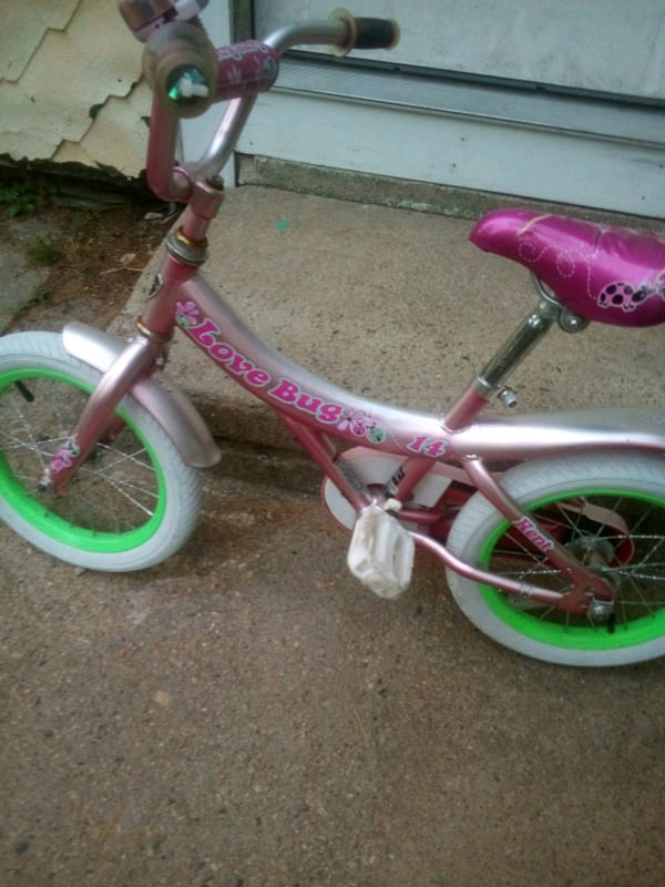 16 in girls bike in good condition 50a22670-921c-4883-b637-2f609d78a949