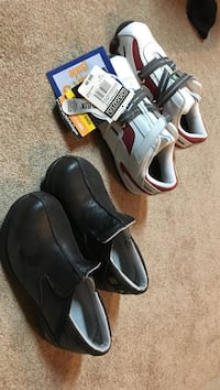 Ladies steel toed shoes. White, red nd grey size 7E. Black Dakota size 6.5 worn once. $20 each Spruce Grove, T7X 4P6