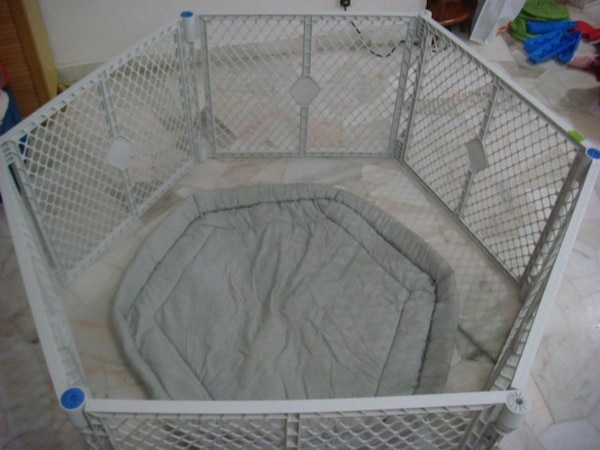 Used Superyard Baby Gate For Sale In Calgary Letgo
