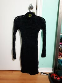 black lace long-sleeve mini dress Barrie, L4M 5T8