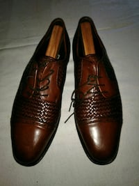 pair of brown leather dress shoes Saginaw, 48601