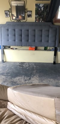 King size headboard ( with tags worth 800 ) Sandston, 23150